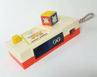 Vtg Fisher Price pocket camera - a trip to the zoo
