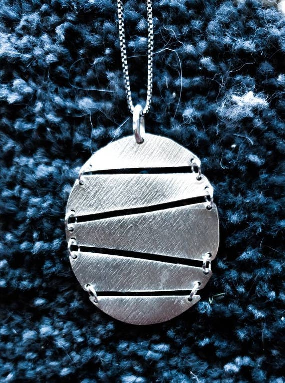 Sterling Silver Textured Circle Drop Pendant