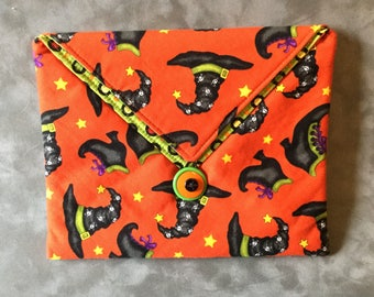 Halloween Witch Hats Padded Clutch Bag - Perfect Travel case for cosmetics, Kindle, Nook, e-readers
