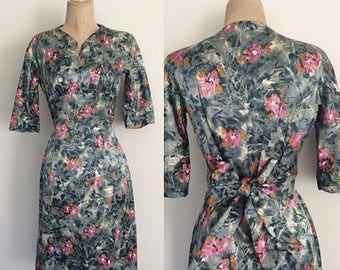 20% OFF 1960's Silky Soft Floral Fitted Dress w/ Waist Tie Size Small by Maeberry Vintage