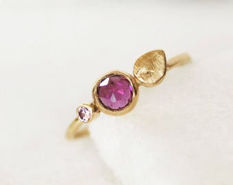 Garnet Sapphire Petal Ring - Bloom Ring in 14k Gold - Choose 1.3mm or 1.6mm Band