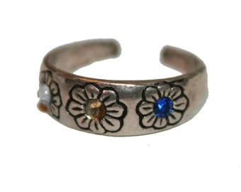 Vintage 90s Small Adjustable Sterling Silver Flower Power Ring - 90s grunge jewelry vintage sterling midi ring tiny ring child's ring