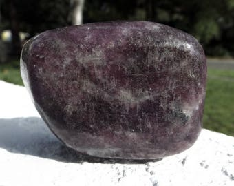 Lepidolite power stone - crystal healing