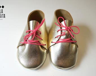 for a newborn baby gold leather shoe