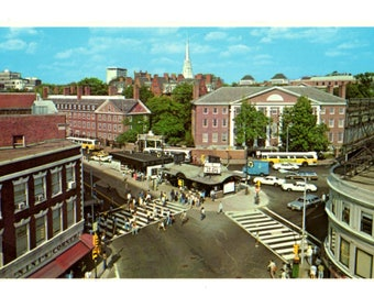 HARVARD UNIVERSITY, Harvard Square, Cambridge Massachusetts Vintage Unused Postcard
