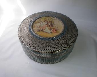 Wonderful Vintage Victorian Nabisco Biscuit Round Tin