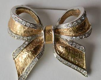 "Vintage Bow Pin 2"" Rhinestone & Gold Costume Bridal Bouquet- B4C-P-5"