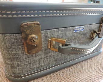 Vintage Suitcase American Tourister Train Case Carry On bag Luggage Vintage Luggage