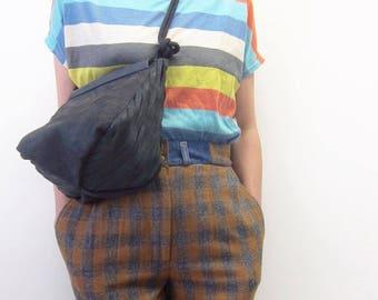 Leather shoulder bag with cutter details Black