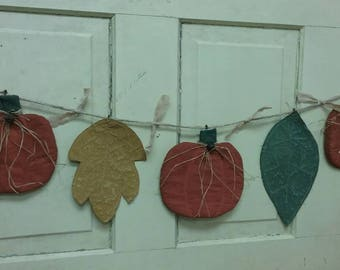 Fall Primitive Garland - 3 Pumpkins & 2 Flat Painted Fabric Leaves - Autumn Garland -Country Primitive Decor - Pumpkin/ Leaves Wall Hanging