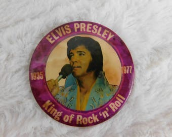 1977  Elvis Presley In Remembrance of the King of Rock and Roll Memorial Pin Pinback Button   DR-8