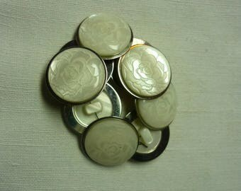 Buttons 9 20mm white plastic and metal