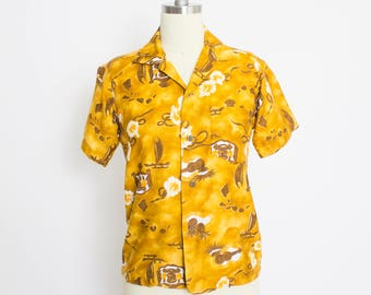Vintage 1960s Hawiaan Shirt - Polished Cotton Novelty Printed Floral Island Top - XS