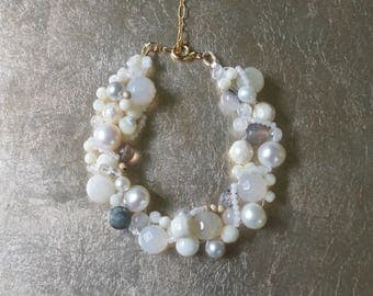 Moonstone beaded bracelet - Freshwater pearl and natural stones