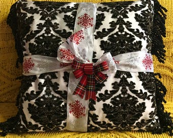 Decorative pillow on Sale! Act fast , one in my shop! Great Christmas gift! Decorative Pillows Sale! Home decor pillows !
