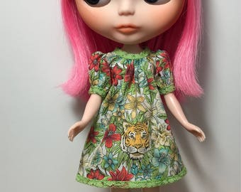 Rosiee Gelutie Dress with puffy sleeves in liberty of London fabric