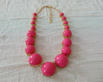 vintage talbots hot pink lucite beads necklace