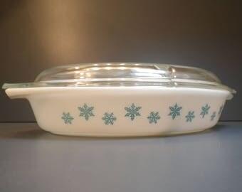 "PYREX ""Snowflake Blue"" Casserole Divided Dish Lid Glass Ovenware 1-1/2 Quart"