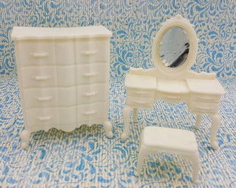 Marx  Bed room High boy Vanity and stool  Soft Plastic French Provencal   Toy Dollhouse white