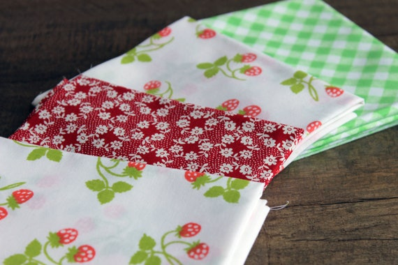 Vintage Strawberry Quilt Quarters