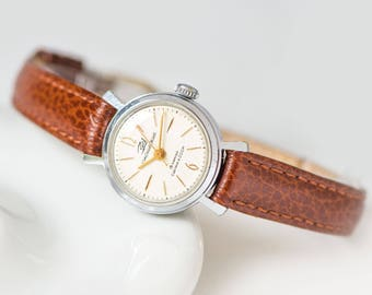 Classic women's watch Dawn\Youth, vintage woman wristwatch, mechanical girl's watch, minimalist woman watch gift, new premium leather strap
