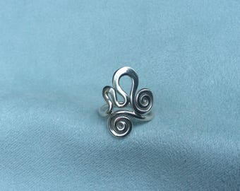 Silver squiggle double spiral ring, hallmarked 925, hand forged, boho chic, receycled metal