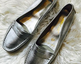 Vintage 60s Silver Leather Loafers Sz 7.5