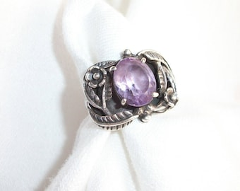 Bold Ring ~ Purple Amethyst & Sterling Silver ~ Statement ~ Flowers ~ Very Vintage ~ Gypsy Hippie Chic