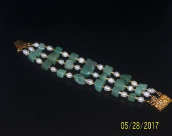 Chunky Green Aventurine and Freshwater Pearls Bracelet