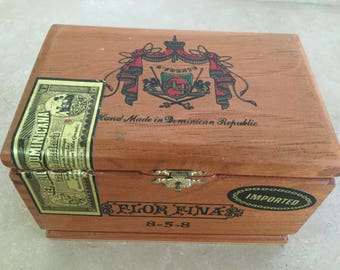 Beautiful Wood Dovetail A. Fuente Cigar Box / Art Project / Supplies / Purse / Musical Instrument