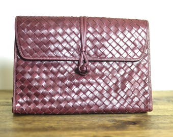 Vintage Soft Woven Leather Envelope Clutch - Burgundy Oxblood 1970s Medium