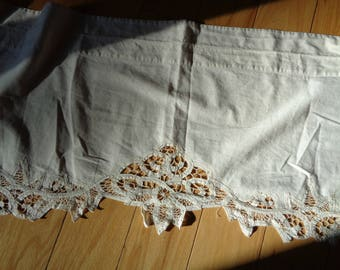 Vintage Off White  Ecru Colored  Cotton and Battenberg Lace Window Valance with curtain rod insert sewn into design in Very Good Condition