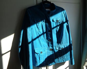 Vintage Teal Blue Velvet Jacket in Mint Condition,   A casual chic style  jacket that can be dressed up or dressed down and well made