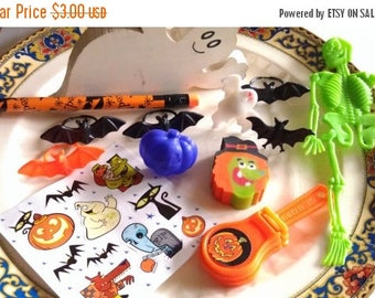 On Sale at Etsy Halloween Destash, Supplies, Party Favors, Adornment to Door Wreath, Center Piece, Halloween Supplies