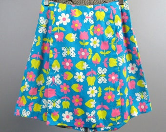 Vintage 1960s Cotton Skort 60s MOD Flower and Strawberry Print Skirt Size S