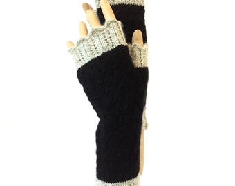 Fingerless Mittens, Lacy Mitts, Hipster Mitts, Women Mitts, Hand Knit Texting Driving Gloves, Hipster Mittens, Fingerless Gloves, Boho Mitts