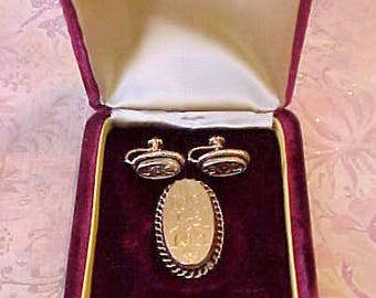 Sale: Lovely Vintage 12K Gold Filled Brooch and Earring Set With Floral Motif