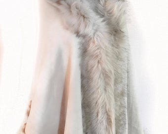DENVER Faux Fur Trimmed Cape in Blonde