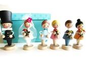 Rare Set of German Vintage Erzgebirge wooden Bride and Groom with 4 Flower girls, Cake Topper or Wedding Decoration