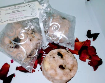 """Wade in the Waters """"Peach and Vanilla"""" scented, moisturizing bath bomb made with organic ingredients"""