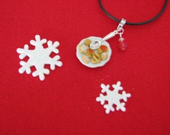 REF 167 Christmas cookies plate necklace
