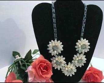 Unique ViVi Pearly Beaded  Necklace -  Vintage Imitation Pearl FlowerNecklace - Neck-6075a-070917010