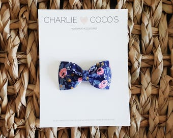 """Baby / Girls Felt Hair Bow Clip, Floral Baby Bow Hair Clip, Navy Blue Floral Hair Bow Clip, Felt Hair Clip """"Navy Floral"""" by charliecocos"""