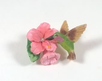 Vintage Pink Flower Brooch with a Hummingbird - Pretty Pin  - Retro Jewelry Pin 1980s