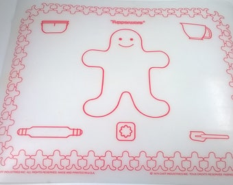 Play Tupperware Toys  - Vinyl Gingerbread Man Mat - Supplies for Kitchen Toys Dart Industries