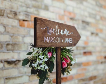 Personalized Welcome Wedding Rustic Wood Wedding Arrow with Stake, Rustic Wedding Wood Sign or Signage, Rustic Wedding Arrow for Ceremony