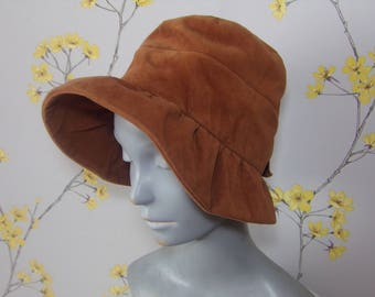 Vintage Late 50s early 60s Cinnamon Cotton Velvet Bonnet with Bow Ladies Velvet Hat by Jacoll Ladies Brown Hat