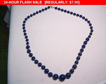 Vintage Blue beaded necklace, classic beads, estate jewelry