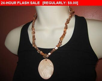 Orange shell  bead pendant necklace