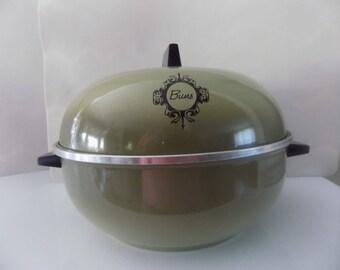 Vintage West Bend Green/Avocado Green Bun Warmer